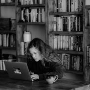"""I rischi delle """"sfide estreme"""" su internet per bambini e pre-adolescenti: COME PROTEGGERE I NOSTRI FIGLI?"""